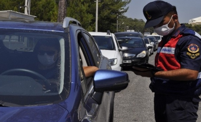 Marmaris'e 24 Saatte 21 Bin Araç Giriş Yaptı