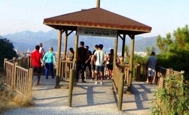 Marmaris'e Gelen Tatilcilerin İlk Durağı Seyir Noktası Oldu
