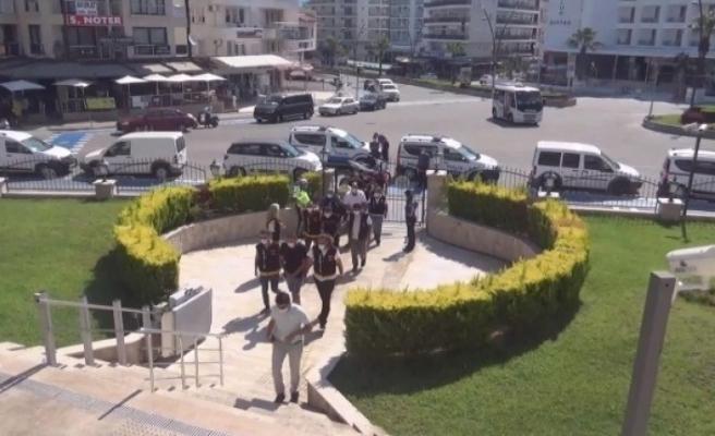 Marmaris'te Husumetli Esnaflar Meydan Savaşına Tutuştu