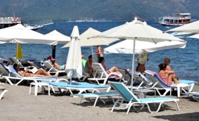 Marmaris'te Tatil Yapan Turistler, 'Türkiye Huzurlu ve Güvenli'