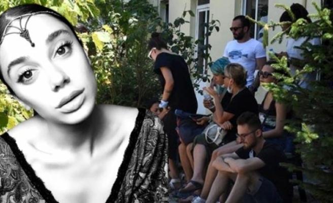 Pınar Gültekin'in Ailesi Muğla Adli Tıp Önünde Bekliyor