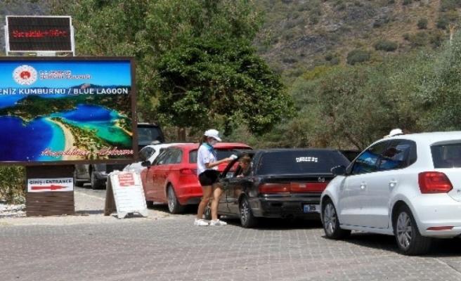 Tatilciler Fethiye'de Bayram Yoğunluğu Oluşturdu