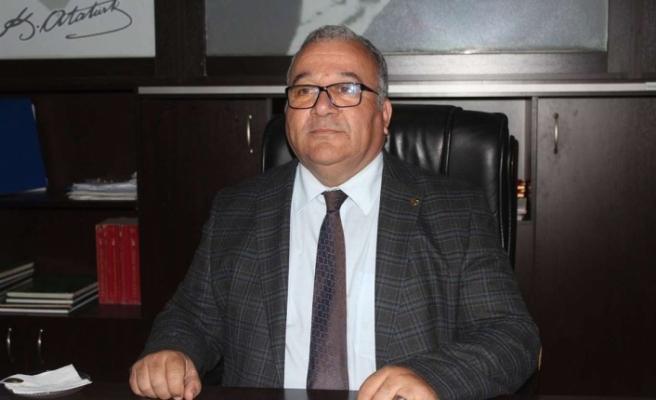 Atatürk Anıtı'na Bırakılan Çelengin Tüzüğe Uymadığı İddia Edildi