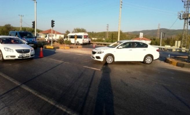 Milas'ta Otomobil İle Minibüs Çarpıştı 5 Yaralı