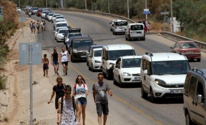Ölüdeniz'e Ulaşmak İçin Kilometrelerce Yürüdüler