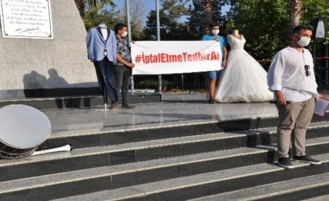 Milas'ta Düğüncüler Yasakları Protesto Etti
