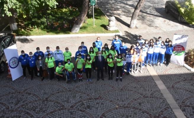 Başarılı Sporculardan Başkan Gürün'e Ziyaret