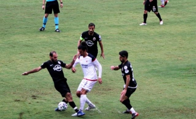 TFF 3. Lig Temsilcisi Fethiyespor Sahasında Kahta 02 Spor'u 2-0 Mağlup Etti