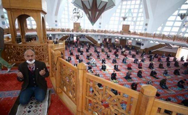 Cuma Namazı Sonrası Türkiye'de Bütün Camilerde Yağmur Duası Edilecek