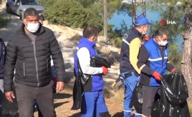 Fethiye'de 3 Saatte 5 Ton Çöp Toplandı