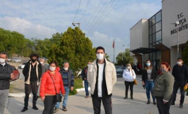 Kaçak Yapılarının Yıkılmamasını İsteyen Vatandaşlardan Datça Belediyesi Önünde Eylem