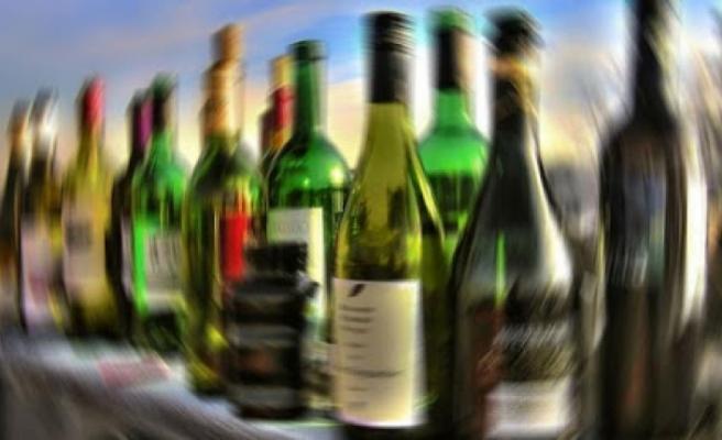Muğla'da Kaçak İçki Ticareti İddiasıyla 2 Şüpheli Yakalandı