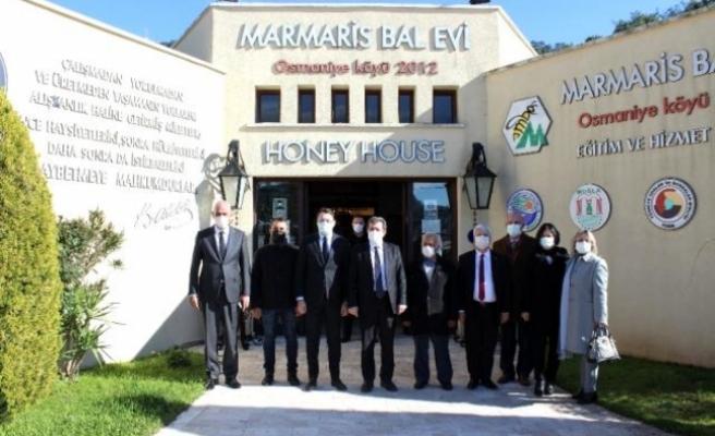Muğla Valisi Tavlı, Marmaris Bal Evi'nde İncelemelerde Bulundu