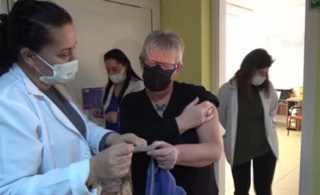 Ortaca'da Yaşayan Yerleşik Yabancılar Kovid-19 Aşısının İlk Dozunu Oldu