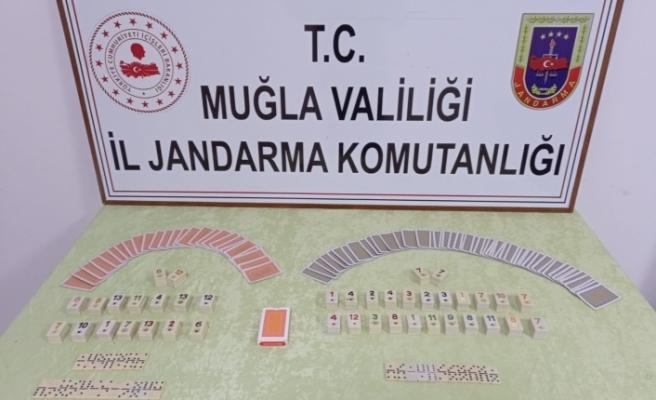 Ula'da Kumar Oynanan Eve Baskın Düzenlendi, 7 Kişiye 21 Bin 952 Lira Ceza Kesildi