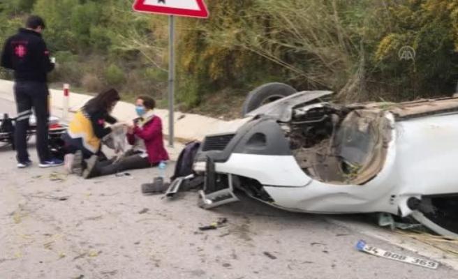 Fethiye'de Devrilen Otomobilin Sürücüsü Yaralandı