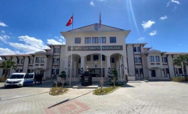 Fethiye'de FETÖ Üyelerini Yurt Dışına Çıkaran Çeteye Operasyon: 5 Gözaltı