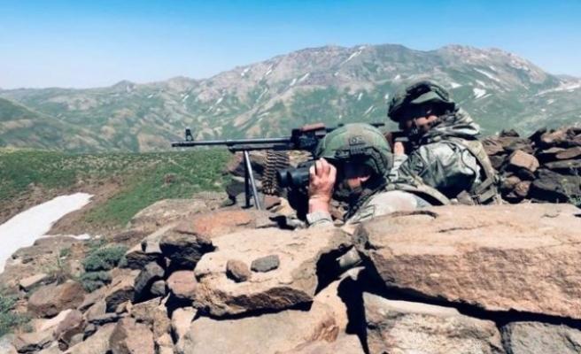 Metina'ya Kara Harekatı Başladı! Terör Örgütü PKK'ya Ait Hedefler Bir Bir Vuruluyor