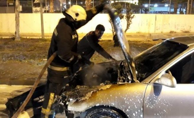 Bodrum'da Seyir Halindeki Otomobil Bir Anda Alev Topuna Döndü