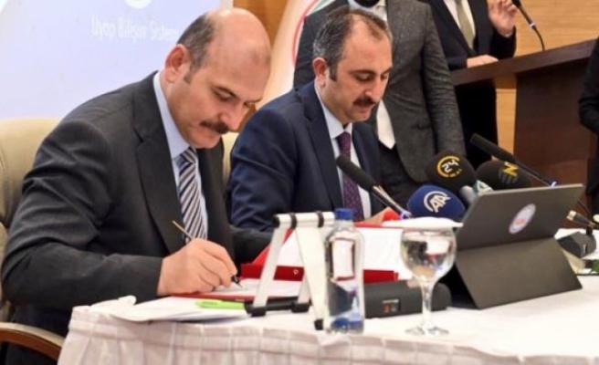 Adalet Bakanı Gül, Yargıyı Eleştiren Bakan Soylu'ya Üstü Kapalı Cevap Verdi