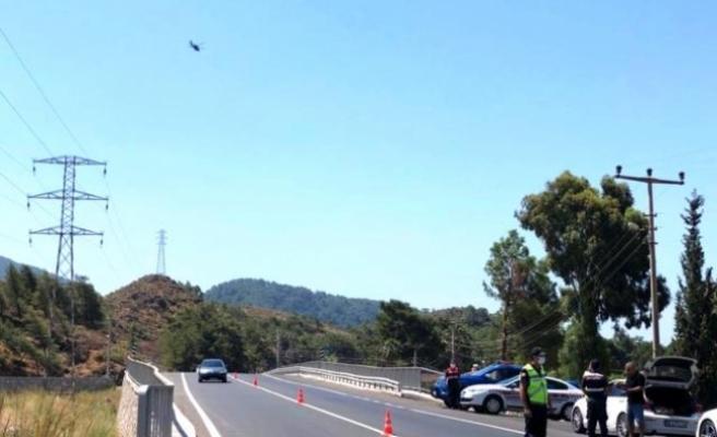 Marmaris'te Jandarma'dan Havadan ve Karadan Trafik Denetimi