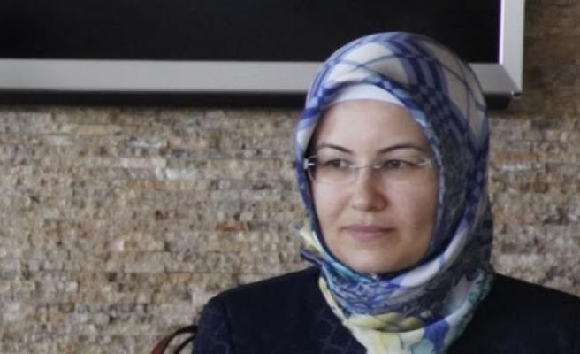 AKP'li İsmin Eşi Sınavsız Atandı