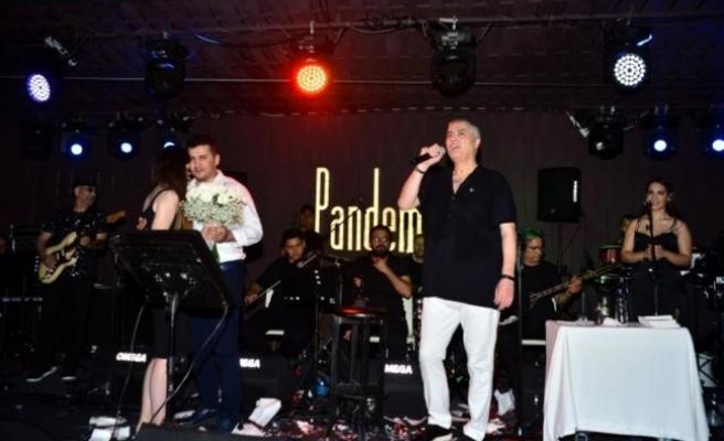Cengiz Kurtoğlu Bir Buçuk Sene Sonra İlk Konserini Bodrum'da Verdi