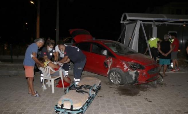 Fethiye'de Otomobil ile Kamyonet Çarpıştı: 2 Yaralı