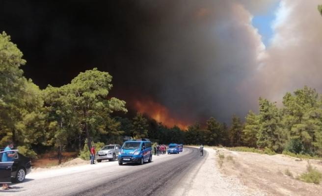 Manavgat'ta Orman  Yangını Büyüyor!