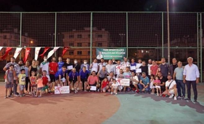 Menteşe'de Ayak Tenisi Turnuvasında Ödüller Sahiplerini Buldu