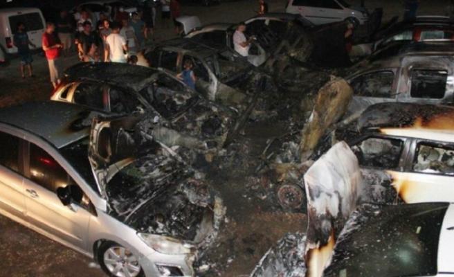 Mersin'deki 12 Araç Küle Döndü