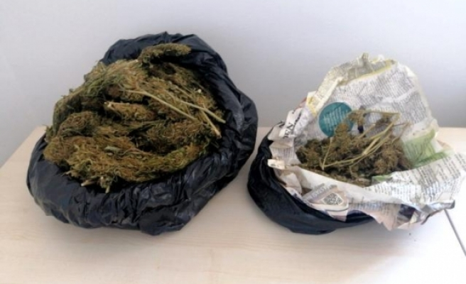 Motosikletin Koltuğunun Altına Gizlenmiş Uyuşturucu Yakalandı