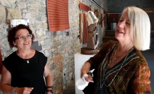 Yeni Zelanda'nın Ankara Büyükelçisi Wendy Hinton Bodrum'da Sergiyi Ziyaret Etti
