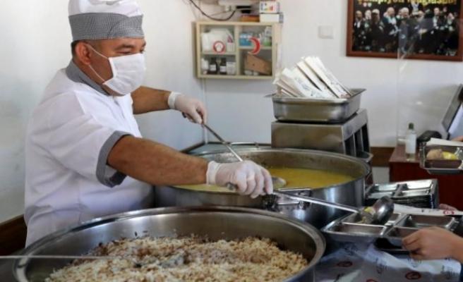 Menteşe Belediyesi'nden Özel Öğrencilere Ücretsiz Yemek
