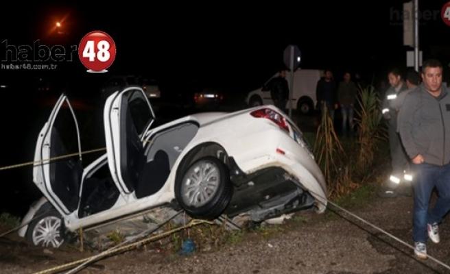 Muğla'da otomobil kanala devrildi: 2 yaralı