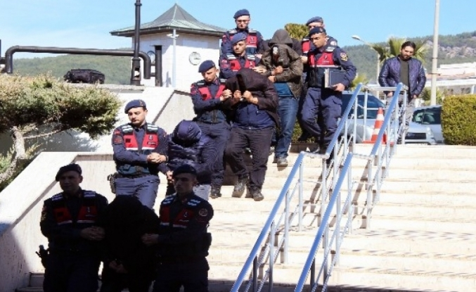 25 Milyon Liralık Kaçak Kobra Zehri Şüphelileri Adliyeye Sevk Edildi