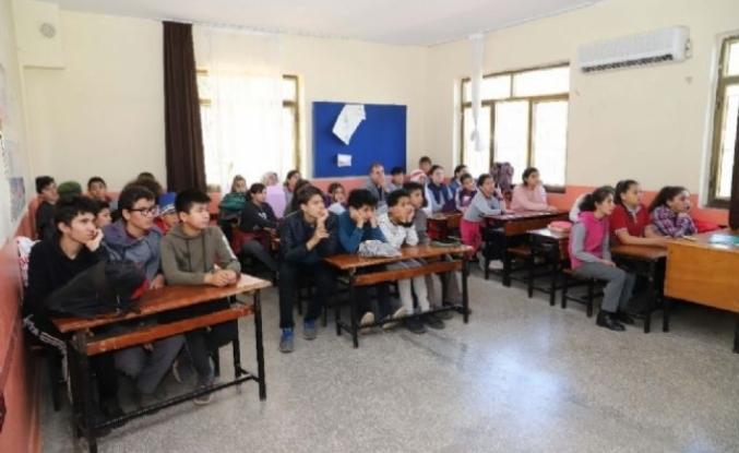 Seydikemer'de Gençlere Deprem Eğitimi Verildi