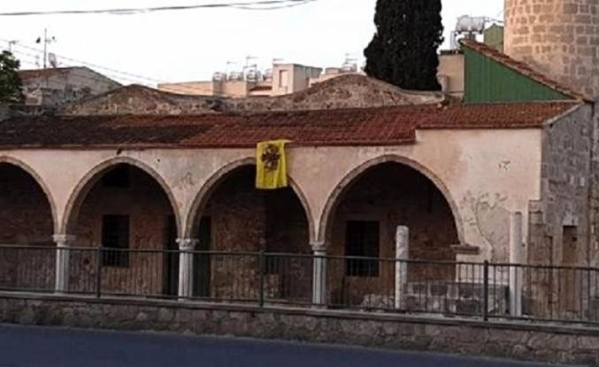 Rumlar Bu Kez De Camiye Bizans Bayrağı Astı!
