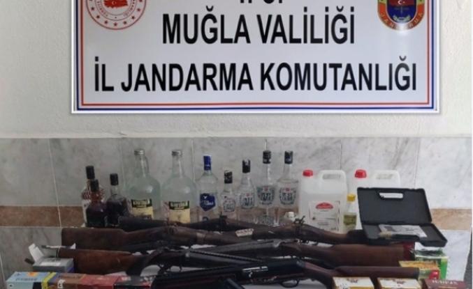 Muğla'da, Jandarmadan Ruhsatsız Silah Operasyonu