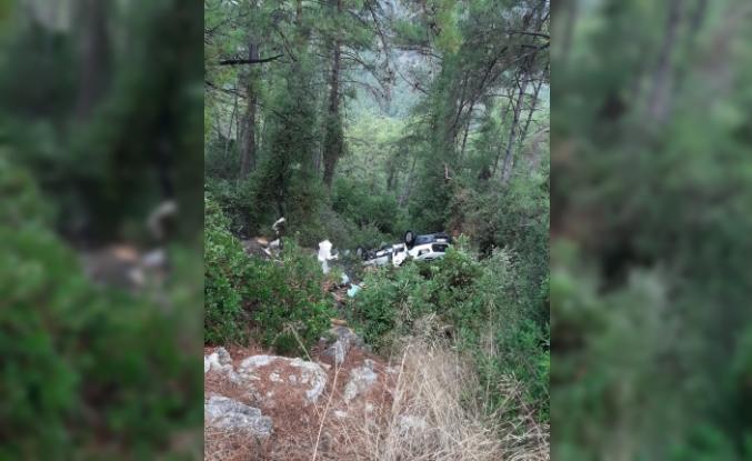 Marmaris'te Arı Yüklü Kamyonet Kaza Yaptı