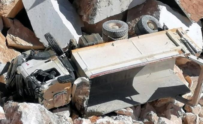 Muğla'da Uçuruma Düşen Kamyonun Sürücü Öldü!