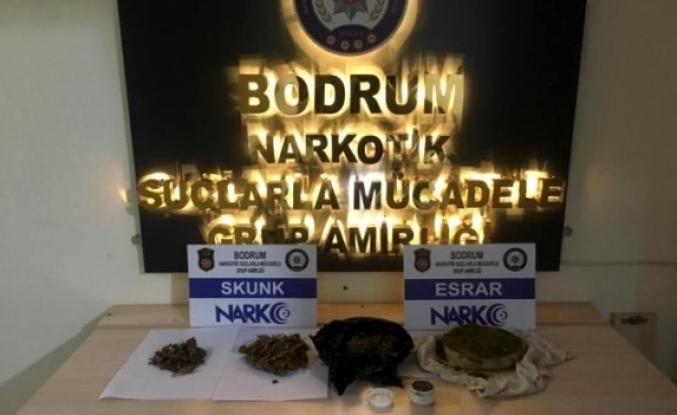 Bodrum'da 2 Uyuşturucu Tüccarı Kovalamaca Sonrası Yakalandı