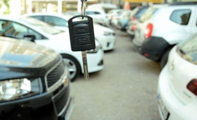 Son 4 Yıldır Böylesi Görülmedi! İkinci El Araç Satışları da Otomobil Fiyatları da Rekor Düşüş Yaşıyor