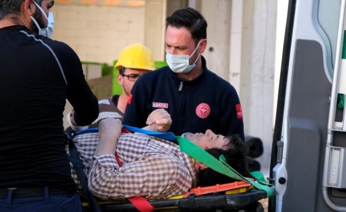 Menteşe'de İnşaat İşçisi Yüksekten Düşerek Yaralandı