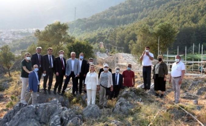 Kültür ve Turizm Bakan Yardımcısı Nadir Alpaslan, Akyaka Ortaçağ Kalesinde İncelemelerde Bulundu
