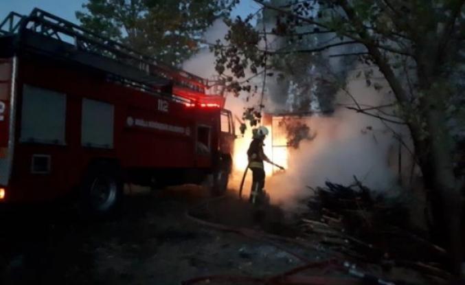 Seydikemer'deki İki Evde Çıkan Yangın Hasara Neden Oldu
