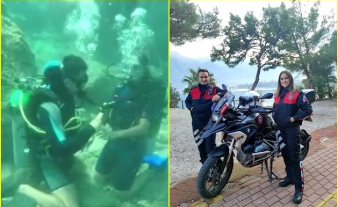 Marmaris'te Görev Yapan Yunus Polisinden Su Altında Evlenme Teklifi