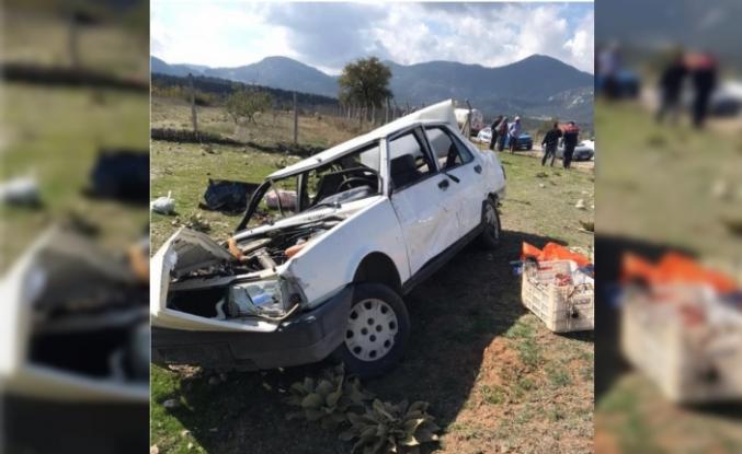 Seydikemer'de Yol Kenarına Devrilen Otomobilde Ölü ve Yaralı Var
