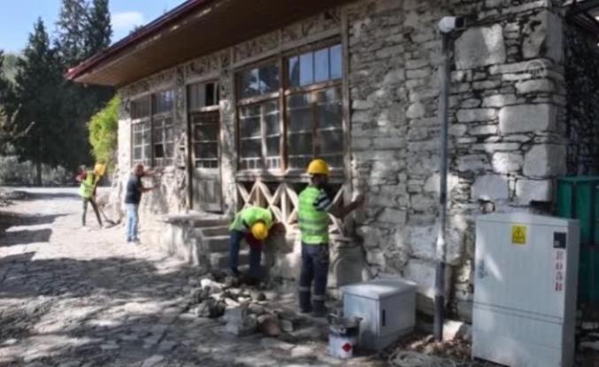 Stratonikeia Antik Kenti'nin Asırlık Kahvehanesi Restore Ediliyor
