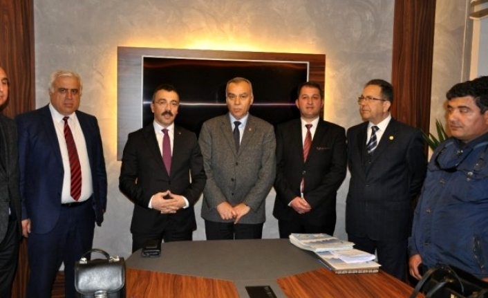 Milas'ta Taşınmaz Ticareti Yetki Belgeleri Törenle Verildi